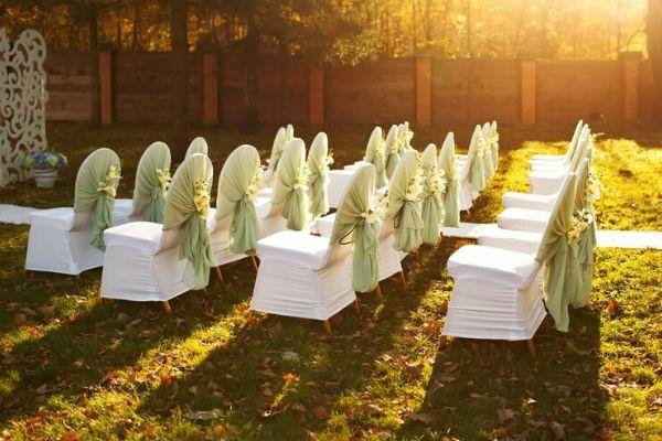 Sillas plegables en una boda